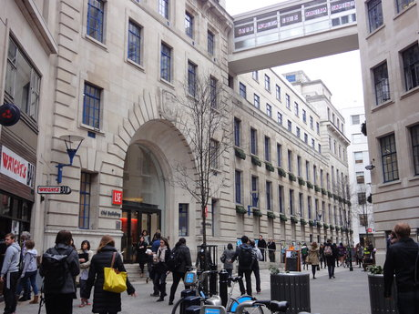 UK – London (LSE) > USC Dana and David Dornsife College of Letters