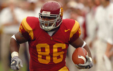 Dominique Byrd, seen here playing in 2004, received his degree in African American studies from USC Dornsife on May 15. Photo courtesy of USC Athletics.
