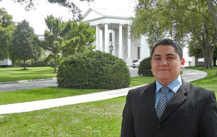 USC Dornsife junior David Horacio Hernandez has been recognized as one of the White House's Champions of Change for his work to improve education for minorities. The double major in political science and American studies and ethnicity traveled to Washington, D.C. to participate in a roundtable discussion on Sept. 16. Photo courtesy of David Horacio Hernandez.