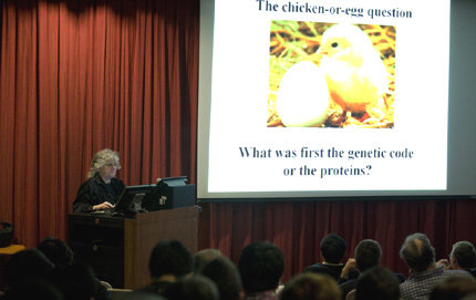 Professor Ada Yonath discusses the chicken-or-the-egg conundrum at a USC event. Photo by Dennis Martinez.
