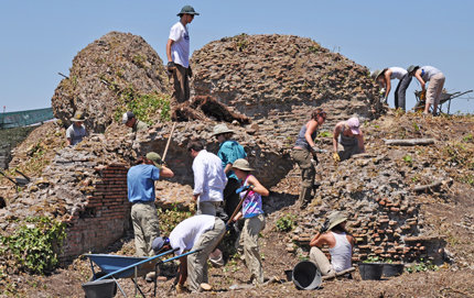 Participants including USC Dornsife students researching last summer in an excavation at Ostia Antica, the port town of ancient Rome. Photo courtesy of John Pollini.