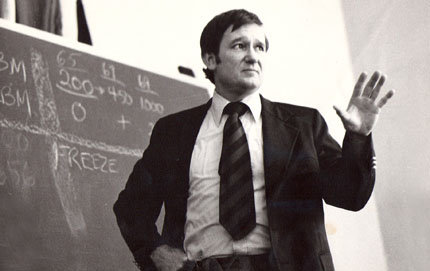 William Van Cleave directed the Strategic Studies Program in USC Dornsife's School of International Relations, where he was professor of international relations, from 1967 to 1987. Here, he teaches in his earlier years. Photo courtesy of Cynthia Van Cleave.