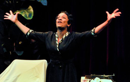 Vanessa Bell Calloway portrays Zora Neale Hurston at Bovard Auditorium in 2012. Photo by Chris Roman/Daily Trojan.