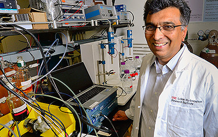Sri Narayan focuses on the fundamental and applied aspects of electrochemical energy conversion. Photo by Gus Ruelas.