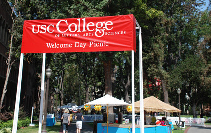 USC College Welcome Day Picnic 2009. Photos by Laurie Hartzell.